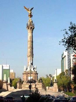 メキシコシティ 独立記念塔 March 2001 撮影