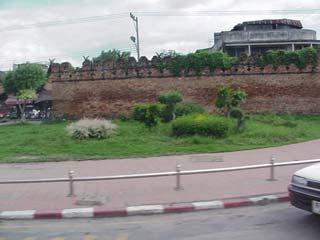 城壁 June 2002 撮影