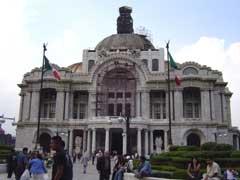 写真 ベジャス・アルテス宮殿 May 2004 撮影