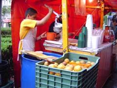 写真 オレンジジュース売り May 2004 撮影