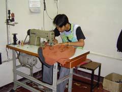 写真 縫製工房 July 2004 撮影