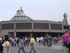 写真 グアダルーペ寺院 May 2004 撮影