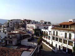 写真 タスコの街並み May 2004 撮影