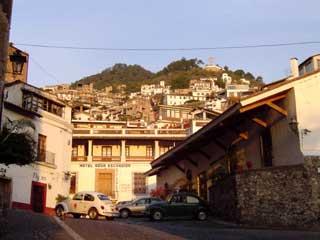 タスコの風景 January 2005 撮影