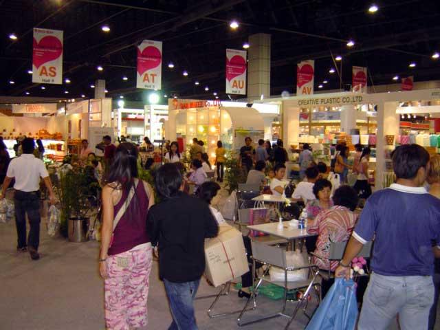 写真 ギフトショー会場 April 2005 撮影