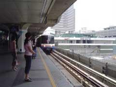 写真 スカイトレインの駅 April 2005 撮影