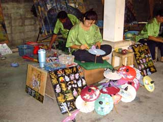 かさ作り April 2005 撮影